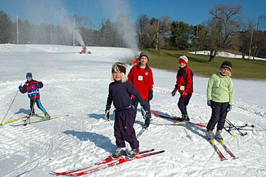 Как выбрать беговые лыжи для детей
