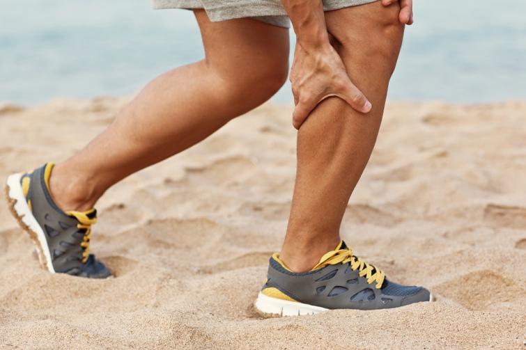 Почему появляются судороги в ногах