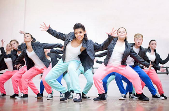 Насколько полезны современные танцы для детей?