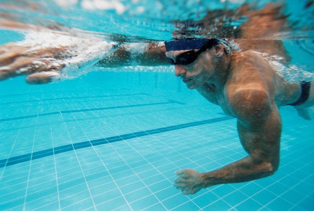 Выбираем очки для плавания в море и бассейне