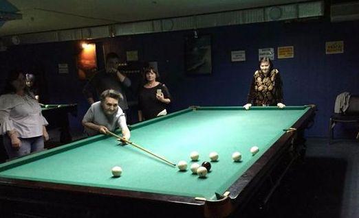 Пожилые горожане приняли участие в турнире по бильярду