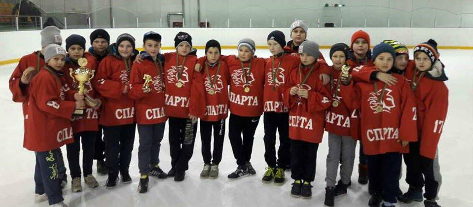 Детско-юношеский хоккей развивается вопреки трудностям