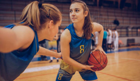 Макс Поляков и его клуб «Вулкан» помогают искать талантливых детей для баскетбола